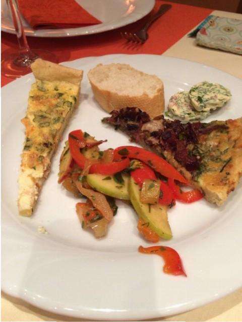 Der leckere Salat und 2 verschiedene Quiches