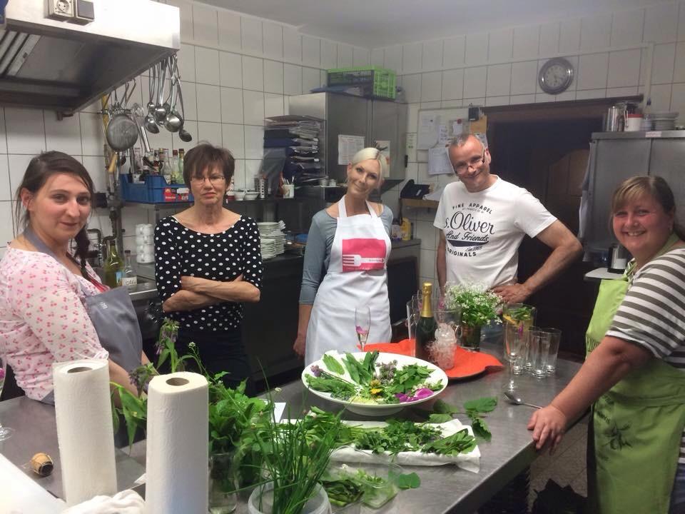 Unsere tolle Truppe, geleitet von Rudi dem Küchenchef und Anja vom Restaurant Alte Linde