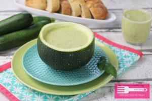 Kalte Zucchini Erbsen Suppe