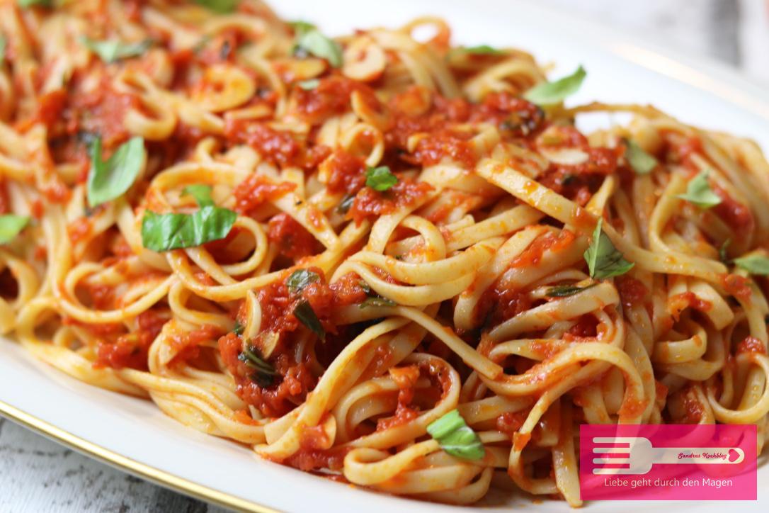 Spaghetti mit Tomatensauce Jamie Oliver