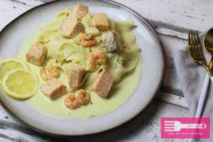 Pasta Lachs Sahne Sauce mit Garnelen
