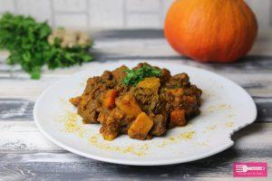 Rindergulasch mit Kürbis und Curry