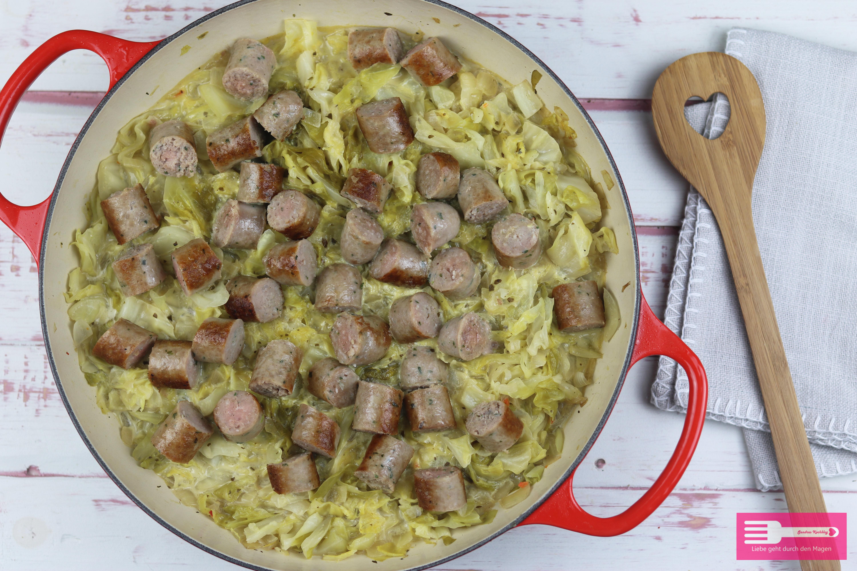 Spitzkohl Bratwurst Pfanne Low Carb