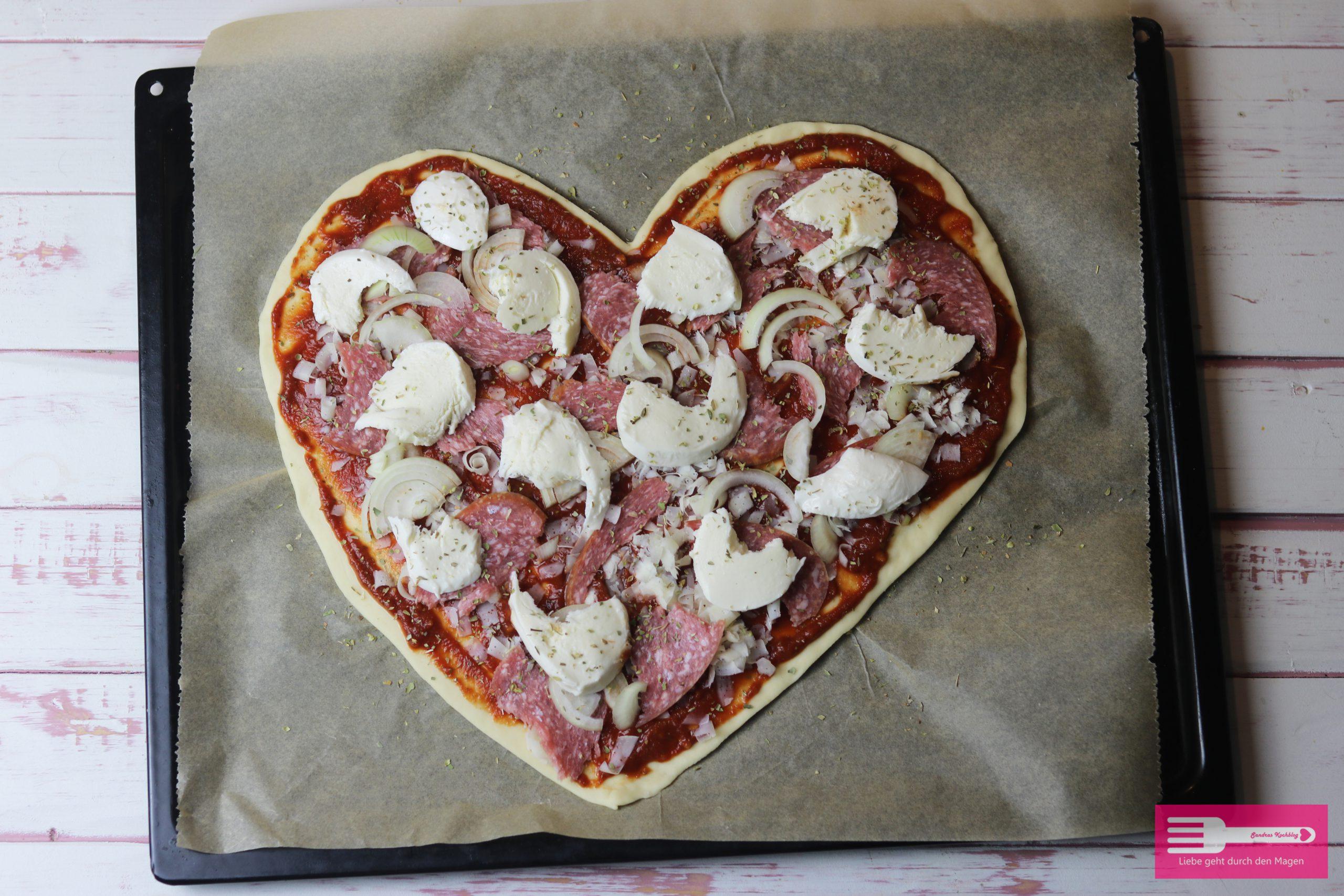 Pizzaherz Valentinstag Pizzateig ohne Gehen